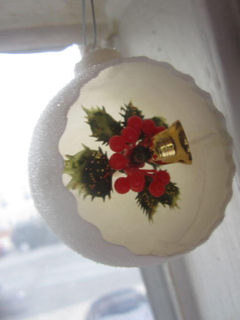 vintage-plastic-ssnowball-ornament-with-bell