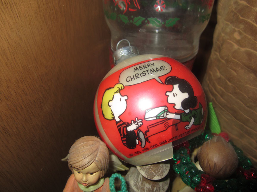 vintage-snoopy-christmas-ornament